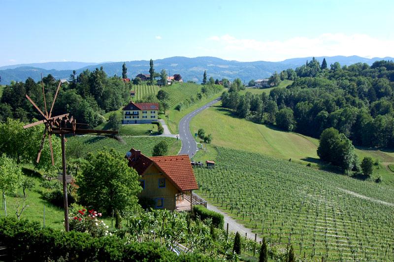 Südsteirische Weinstrasse, vineyards, Styria, Austria