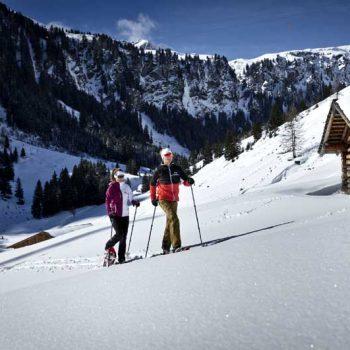 Snowshoe hiking i Saalbach, Tyrol, Austria